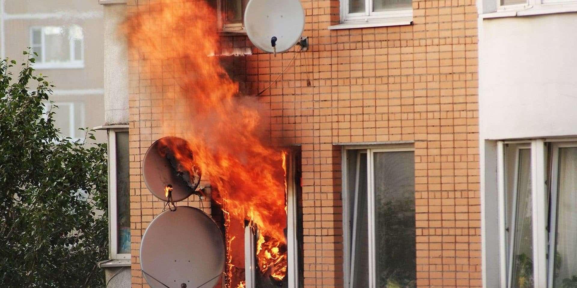 Насколько пожаробезопасны пластиковые окна в СПб